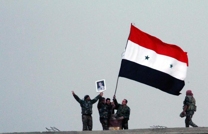 ВС Сирии отрезали от коммуникаций ИГ в направлении ряда населенных пунктов