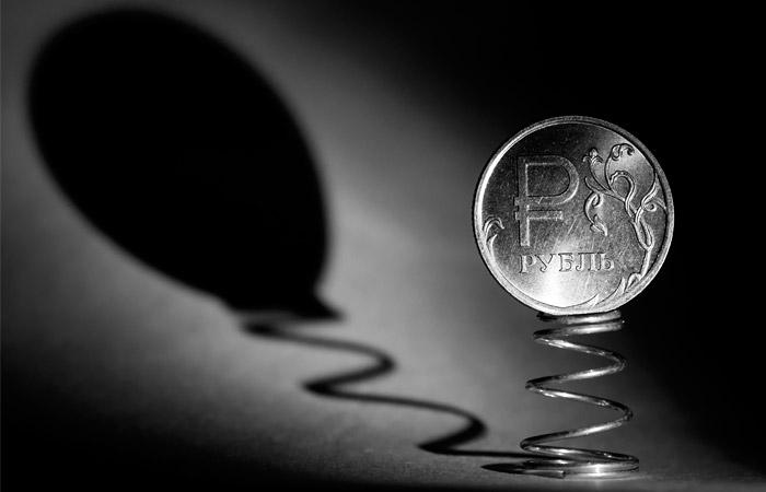 Рубль вырос до максимума за 10 дней