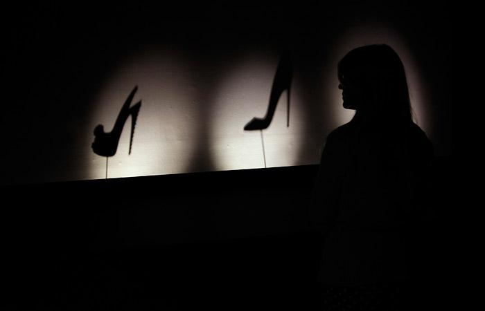 В Christian Louboutin потребовали прекратить упоминать лабутены в связи с выставкой Ван Гога