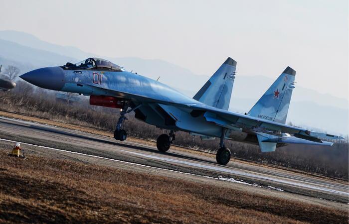 Россия перебросила в Сирию новейшие истребители Су-35С