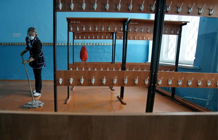 Около 9 тысяч российских школ закрылись на карантин из-за гриппа