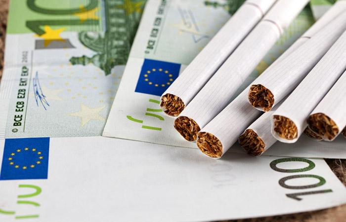 Потери Греции из-за нелегальных сигарет и самогона превысили 1 млрд евро