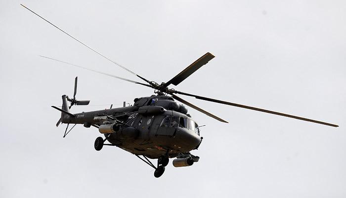 Военный вертолет Ми-8 совершил жесткую посадку в Псковской области