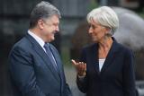 Порошенко сообщил Лагард о необходимости перезагрузки кабмина Украины