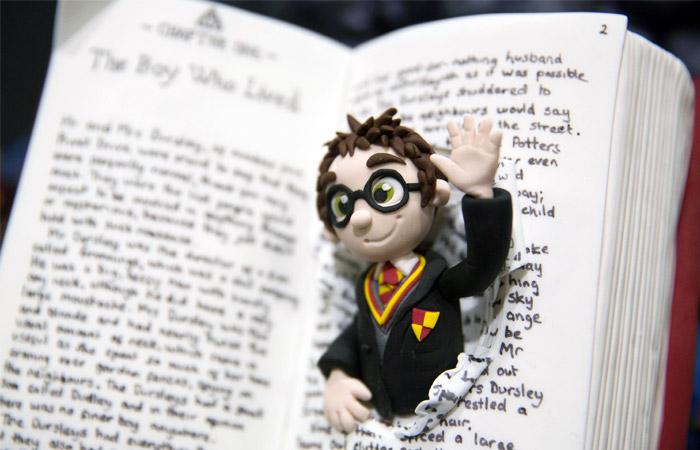 Восьмая книга про Гарри Поттера выйдет летом