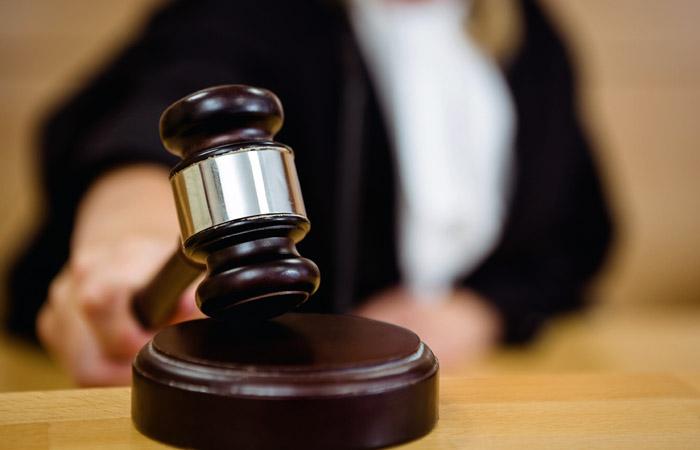 """Суд по иску Минюста ликвидировал правозащитную ассоциацию """"Агора"""""""
