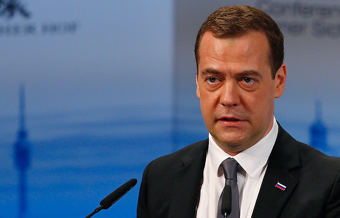 Медведев констатировал начало новой холодной войны между Россией и НАТО