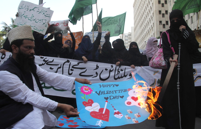 Президент Пакистана призвал игнорировать Валентинов день