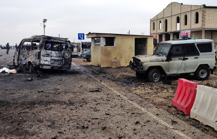 В подрыве машины у поста ДПС в Дагестане заподозрили сторонника ИГ