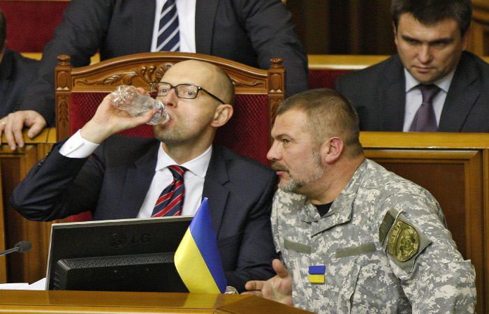 Фракция БПП признала работу Кабмина неудовлетворительной Яценюка