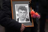 Оппозиция согласилась провести марш памяти Немцова по бульварам