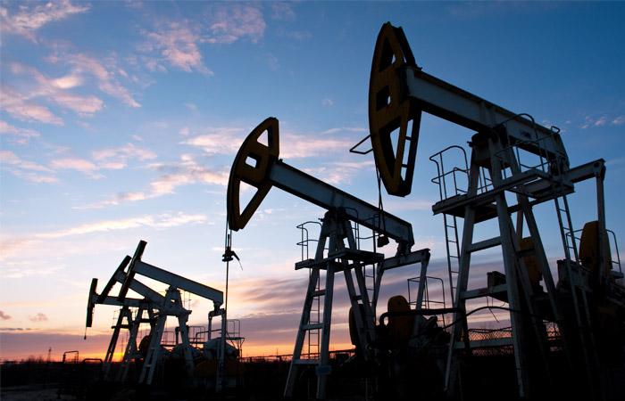 ОПЕК и Россия договорились заморозить добычу нефти на уровне 11 января