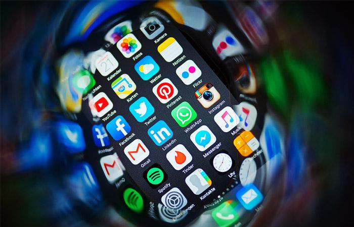 ФАС заподозрила крупнейших ритейлеров в сговоре при продаже iPhone