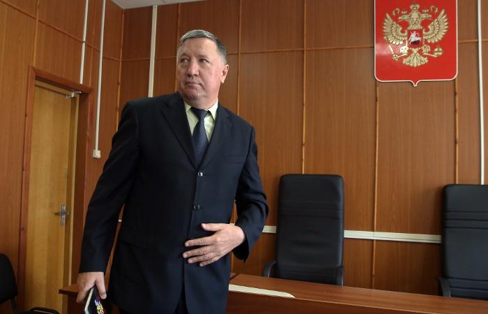 Суд рассмотрит ходатайство о снятии судимости с экс-главкома сухопутных войск
