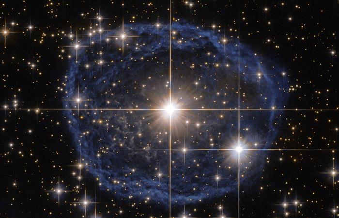 """Хаббл"" заснял редкую звезду в созвездии Киля"