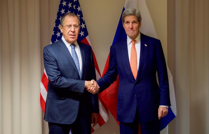 Лавров и Керри обсудили воплощение планов по перемирию в Сирии