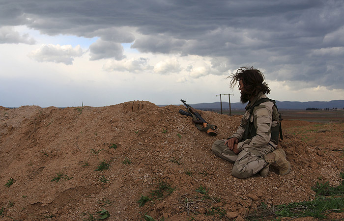 Российские военные узнали о съемках боевиками в Сирии постановочного боя