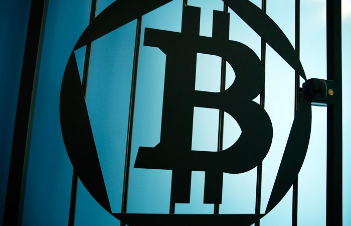 Минфин предложил сажать за выпуск биткоинов на срок до 7 лет
