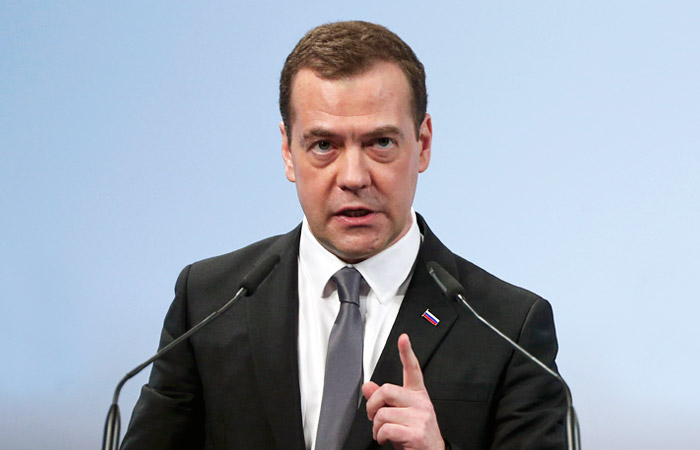 Медведева возмутил незаконный отбор нефти на Северном Кавказе
