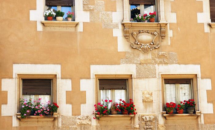 Россияне стали меньше покупать дома в Испании