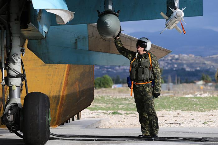 Путин приказал начать вывод воинской группировки России из Сирии