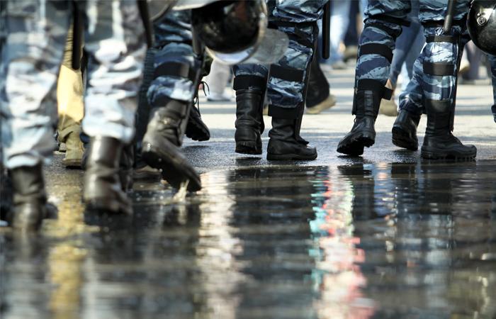 400 полицейских встали на защиту рабочих от цыган в тульском поселке