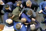В парламенте Украины произошла потасовка