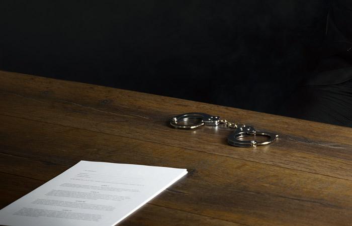 Обвинение вСША согласилось уменьшить срок обвиняемому вшпионаже Евгению Бурякову