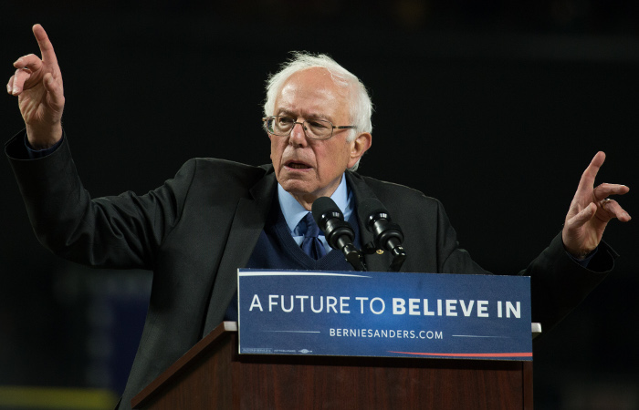 СМИ объявили победу Сандерса на кокусах в Вашингтоне и на Аляске