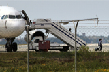 Угонщик самолета А320 потребовал освободить заключенных женщин в Египте