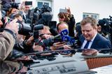 """Исландский премьер ушел в отставку на фоне скандала с """"панамскими документами"""""""