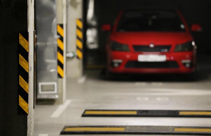 СМИ узнали о планах кабмина сделать парковки объектом недвижимости
