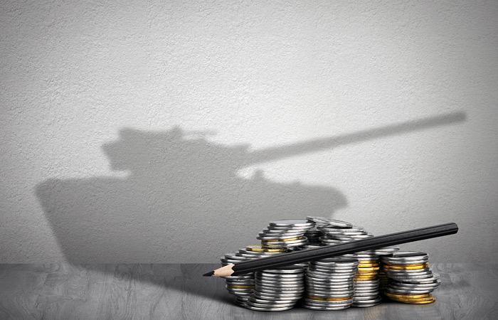 Общий уровень военных расходов в мире вырос впервые за четыре года