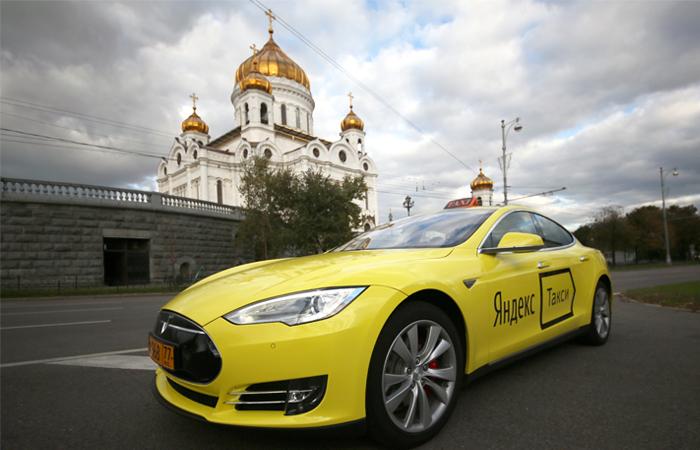 """В """"Яндекс.Такси"""" запланировали занять 10-15% рынка корпоративного такси в Москве"""