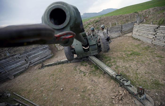 Ереван обвинил Азербайджан в обстреле населенных пунктов в Армении