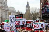 Митинг за отставку Кэмерона собрал в Лондоне многотысячную толпу