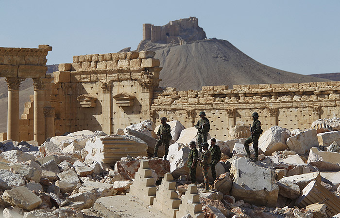 """Террористы из ИГ разрушили """"ворота Бога"""" близ Мосула"""