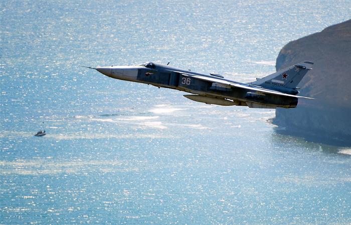 В США сообщили об опасном сближении российских Су-24 с американским эсминцем