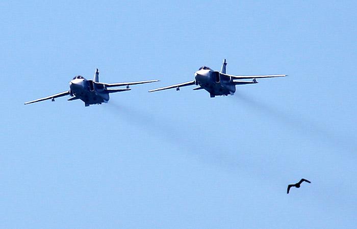 В Минобороны назвали безопасным пролет Су-24 над американским эсминцем