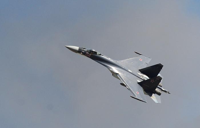 США сообщили о перехвате самолета-разведчика истребителем РФ