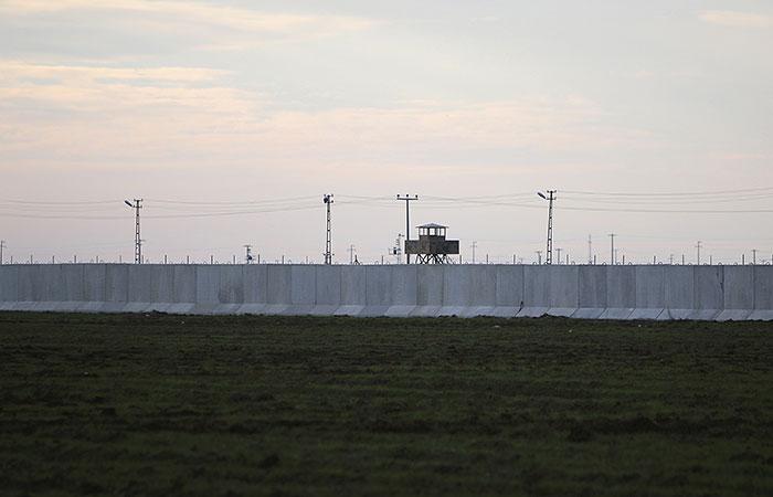 Путин заявил Обаме о необходимости закрыть границу между Турцией и Сирией