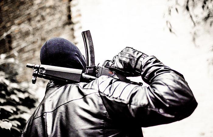 """Обнаруженный в подвале в Москве тайник с боеприпасами принадлежал """"ореховским"""""""