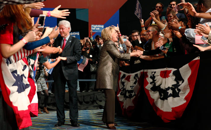 Хиллари Клинтон стала лидером в четырех из пяти праймериз во вторник