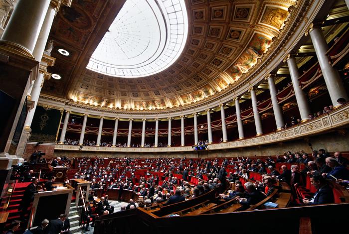 Французский парламент призвал отказаться от санкций против России