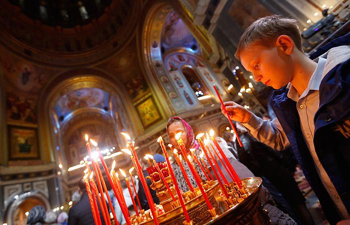 Полиция насчитала 660 тыс. участников пасхальных богослужений в Москве