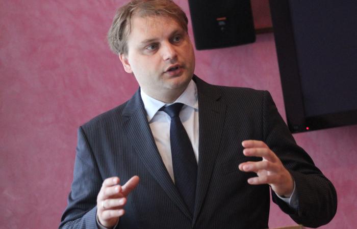 """В Эстонии на границе задержали одного из организаторов акции """"Бессмертный полк"""""""