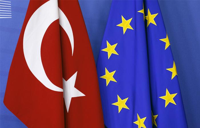 Договор о безвизовом режиме между Турцией и Европой оказался под угрозой