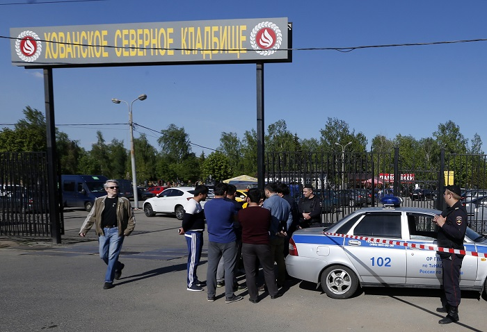 Директор Хованского кладбища уволен после массовой драки