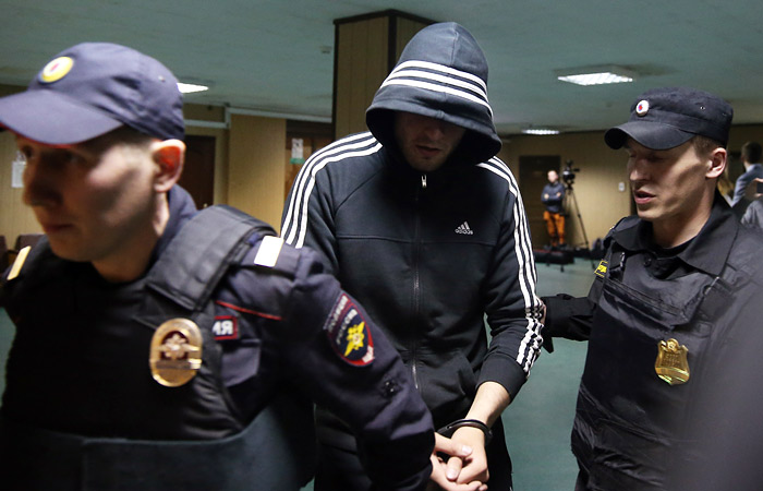 Суд в Москве арестовал 12 фигурантов дела о драке на Хованском кладбище