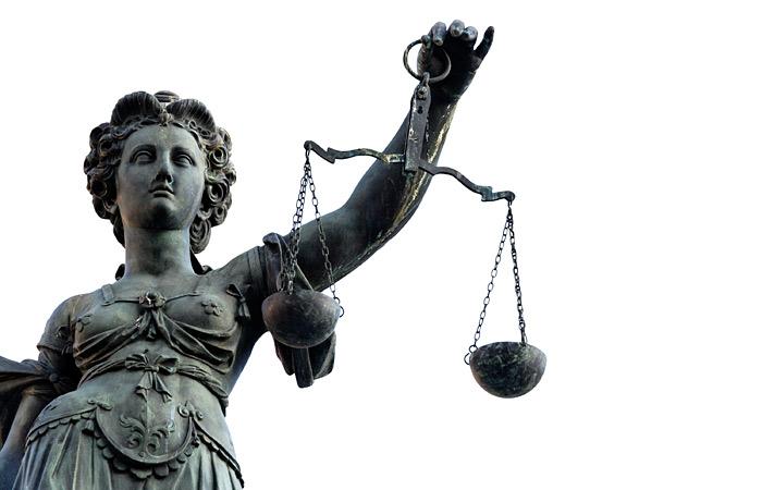 В Минюсте одобрили рассмотрение судом дела ЮКОСа без политизации